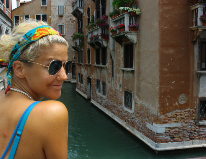 Travelling Alone: Happiness Only Real When Shared