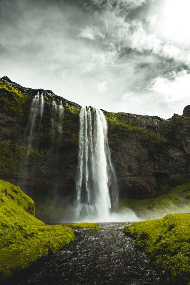 waterfalls in iceland cost