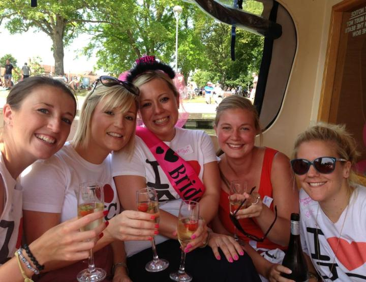 How to Throw an Awesome Hen Party in Stratford-Upon-Avon