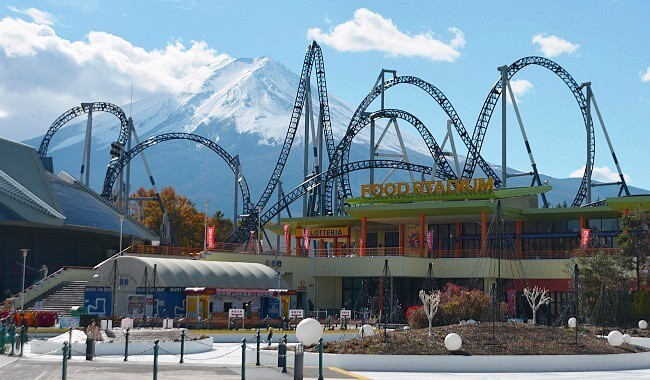 cool theme parks in japan