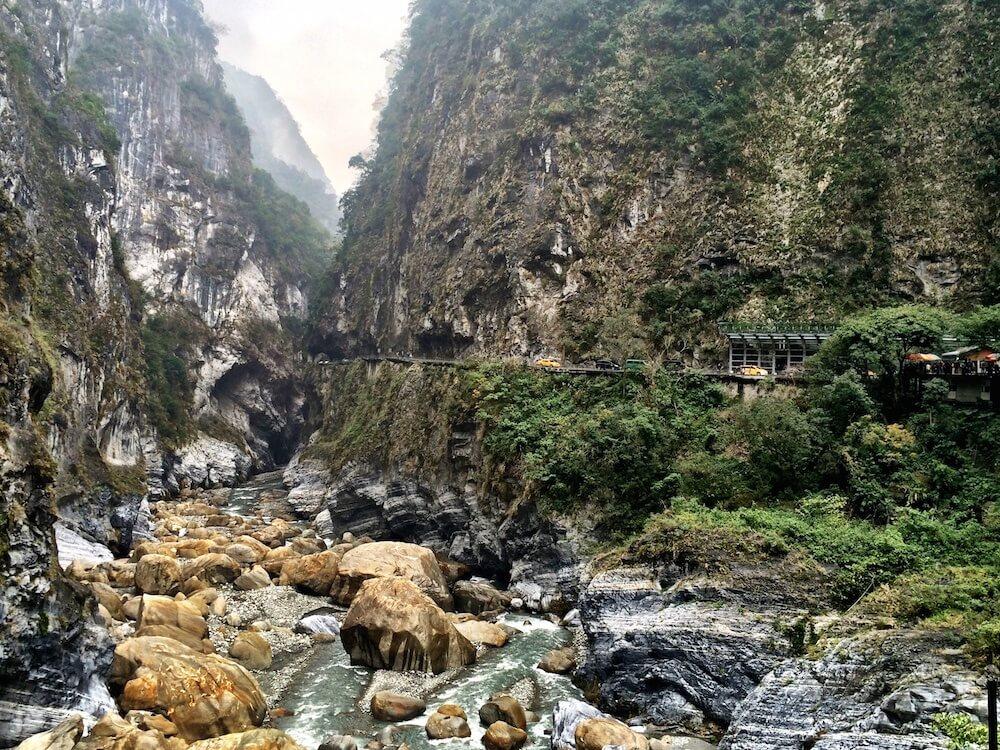 Exploring the Taroko Gorge