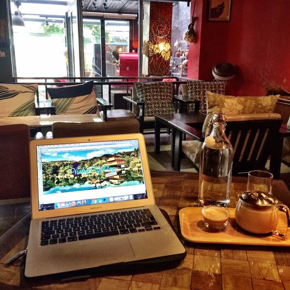 Digital nomad and community
