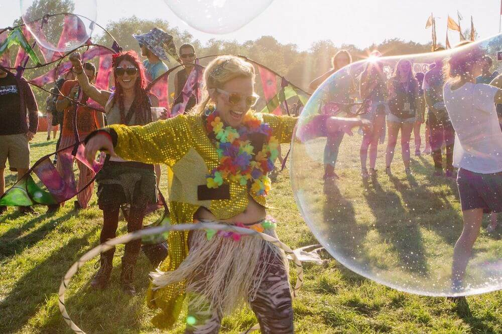 How to volunteer at festivals