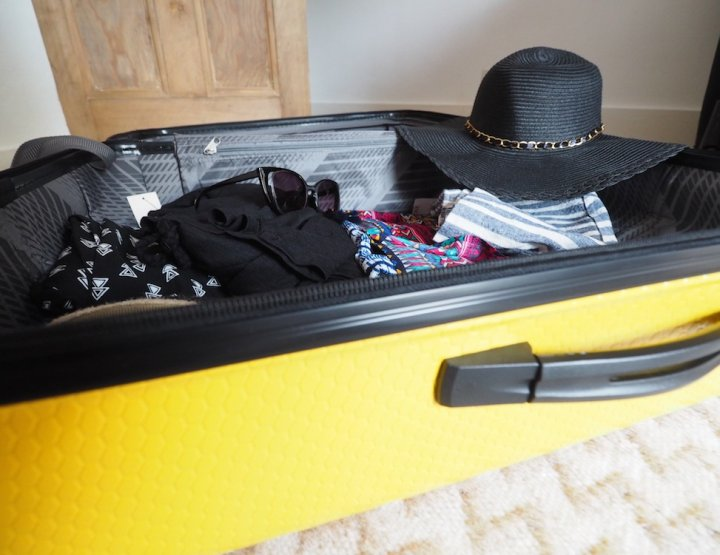 16 Travel Hacks to Make Travel Cheaper
