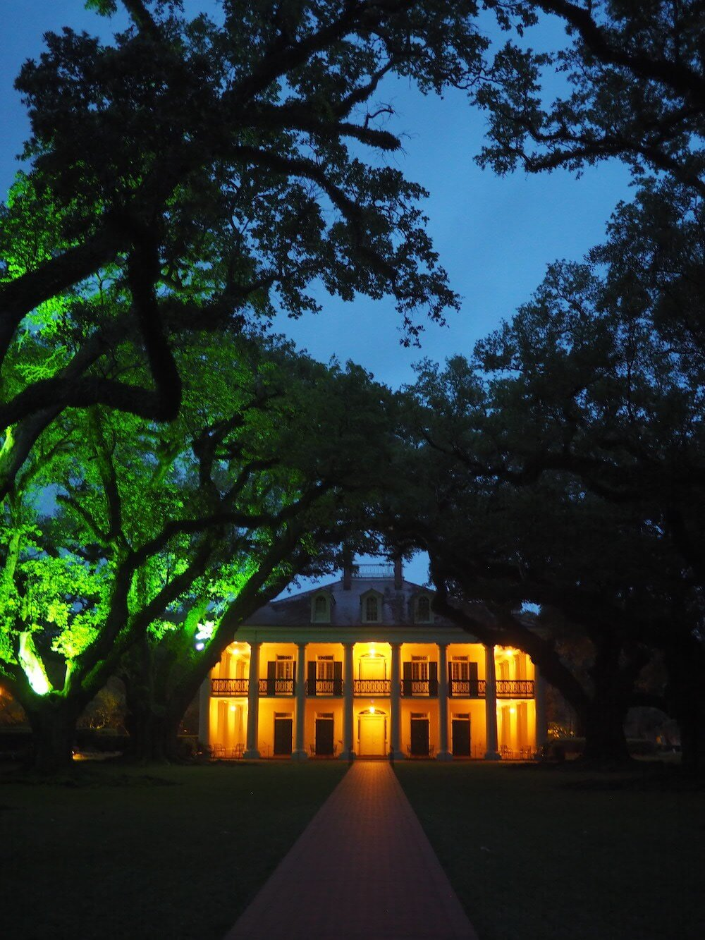 Oak Alley Plantation at night