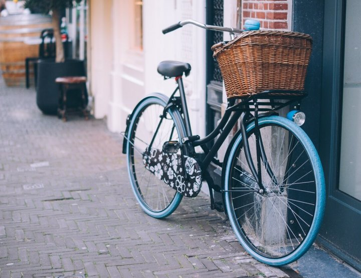 7 Tips for Road Cycling Safety Abroad