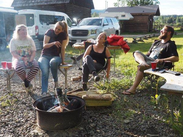 Campsite Well's Gray
