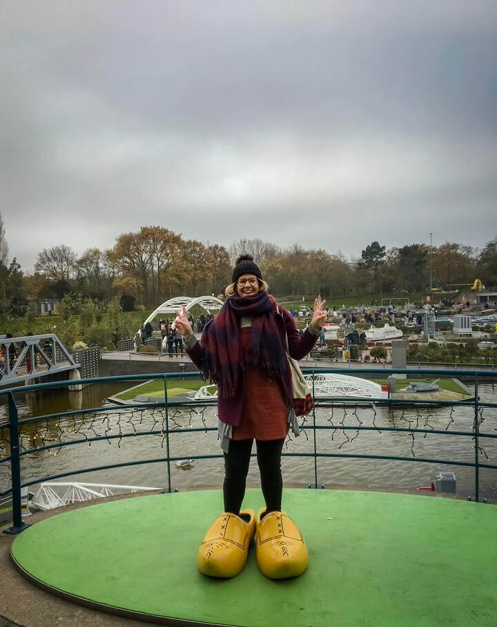 Wearing clogs in the Hague
