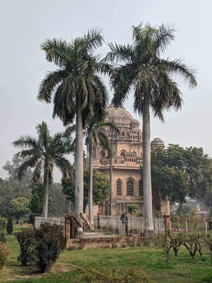 Amazing Mushir Zadi Mosque in Lucknow