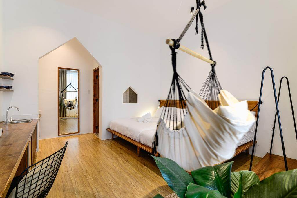 where to stay ho chi minh city