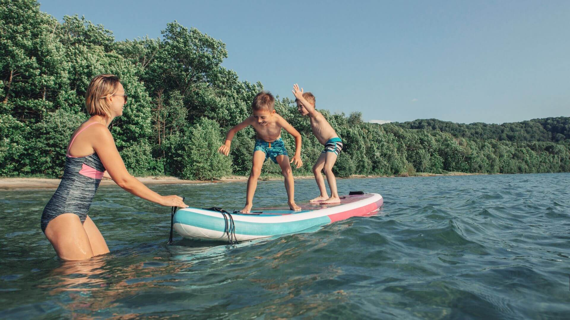 buying an inflatable stand up paddle board