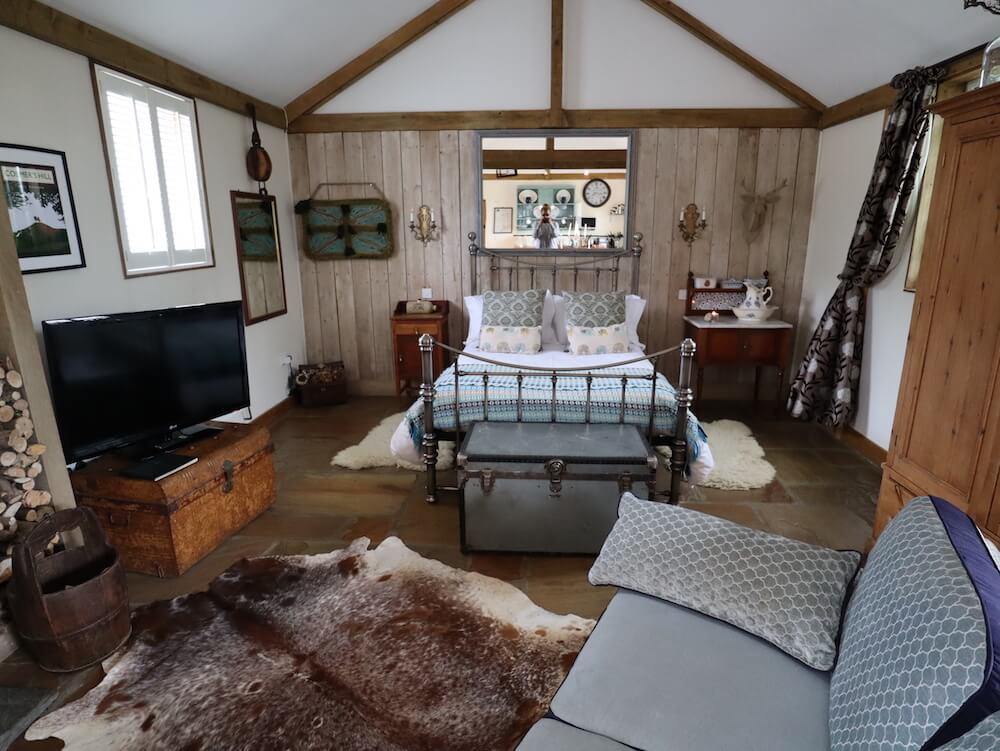 bedroom outbuildings