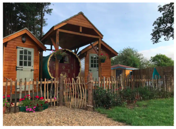 airbnbs in england romantic