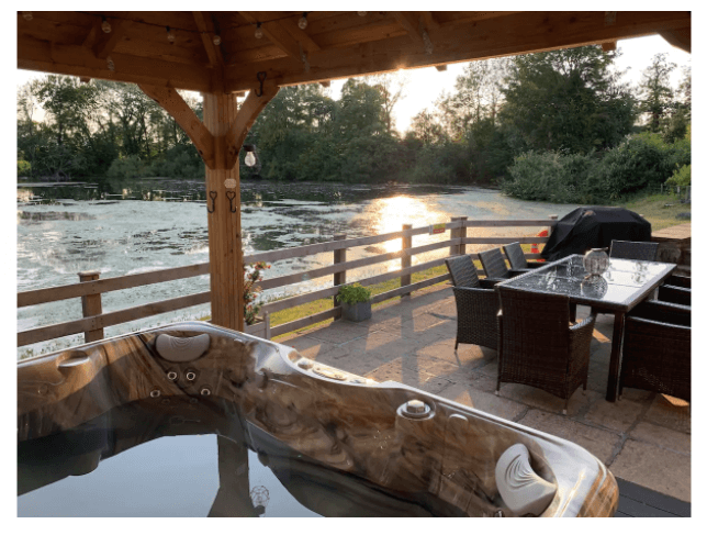 romantic hot tub for new years eve