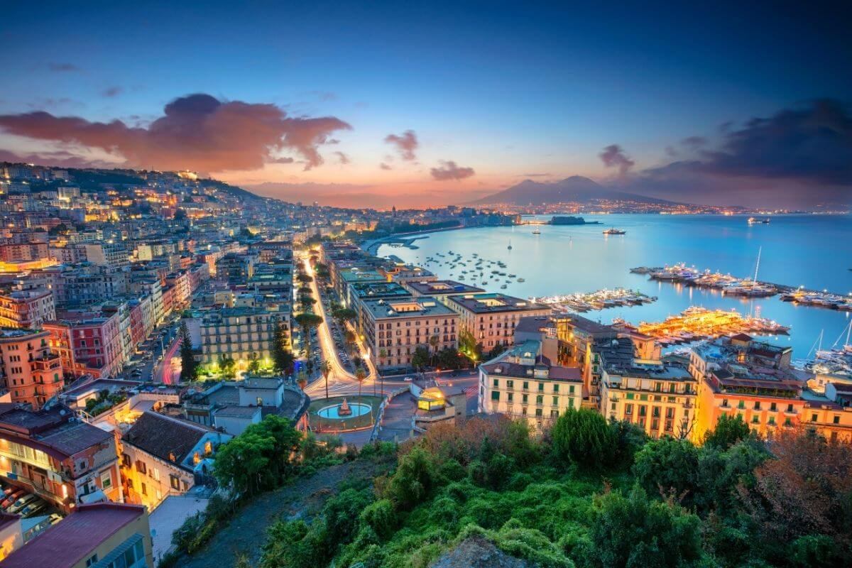 where to go in naples